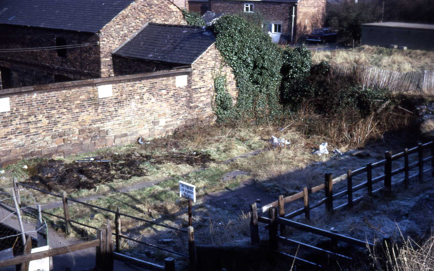 D4 049 Site of old cottages rear of Queens Head 1968.jpg