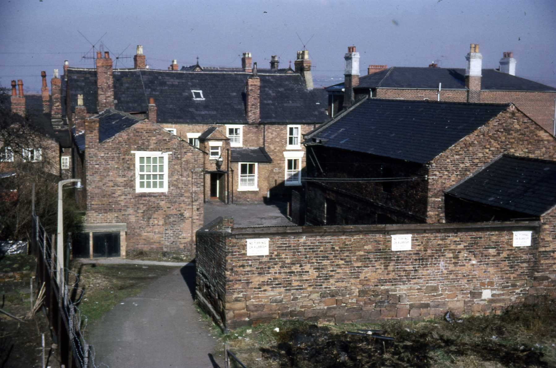 D4 050 Queens Head Yard and buildings 1968.jpg