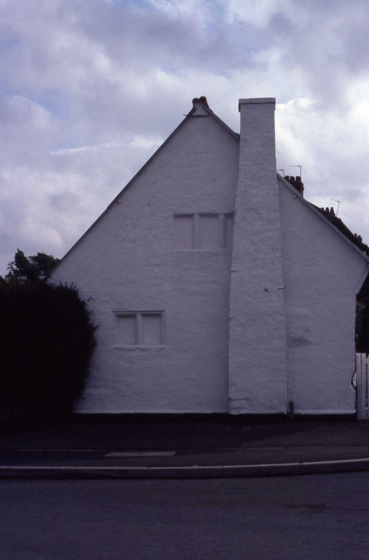 B4 031 Flower Cottage - External chimney in gable end.jpg